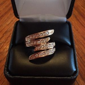 ⭐️ SALE-3/$20-New Rose Gold Layered Crystal Ring